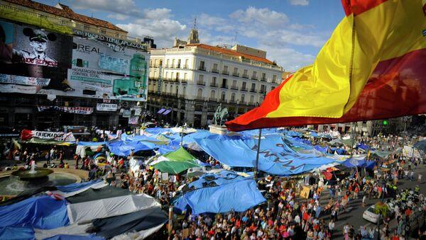 Campamento de los 'indignados' en la Puerta del Sol de Madrid. Mayo de 2011 - Sputnik Mundo