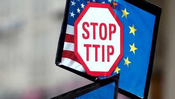 Una manifestación contra el acuerdo TTIP en Alemania (archivo) - Sputnik Mundo