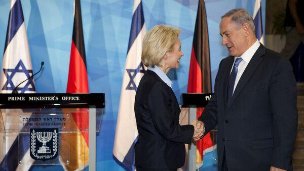 Ministra de Defensa de Alemania, Ursula von der Leyen, y promer ministro de Israel, Benjamín Netanyahu - Sputnik Mundo