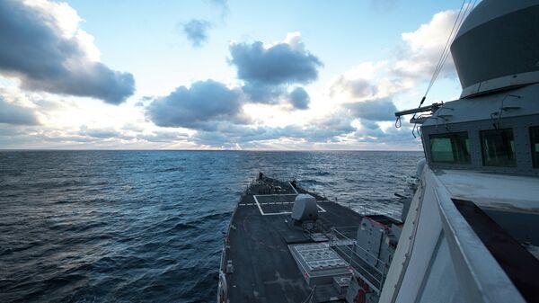 Destructor estadounidense USS Donald Cook en el mar Negro - Sputnik Mundo