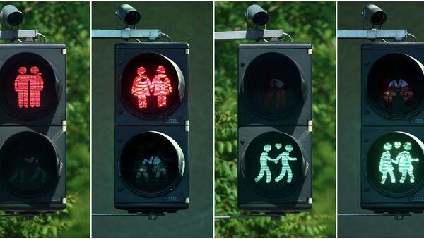 Partido de derecha austriaco denuncia instalación de semáforos con parejas homosexuales - Sputnik Mundo