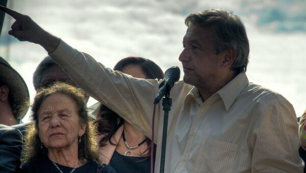 Andrés Manuel López Obrador, líder de la izquierda mexicana - Sputnik Mundo