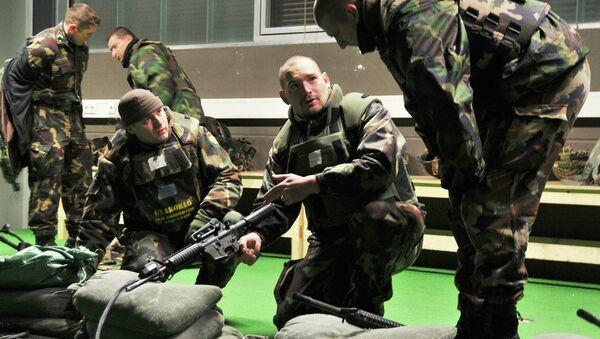 Militares húngaros - Sputnik Mundo