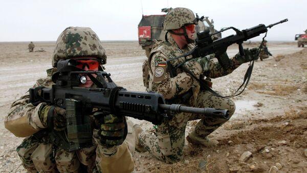 Soldados alemanes con fusiles G36 - Sputnik Mundo