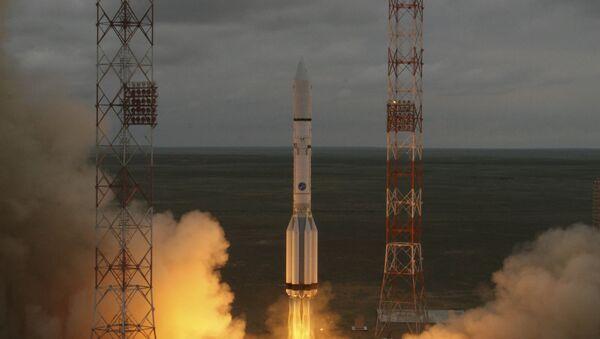 El lanzamiento del cohete Protón-M - Sputnik Mundo