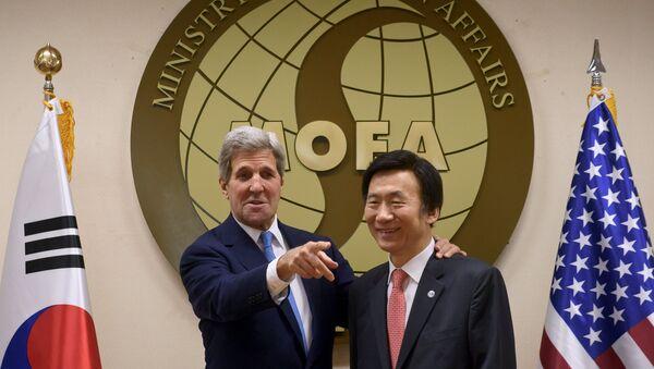 Secretario de Estado de EEUU, John Kerry y ministro de Asuntos Exteriores de Corea del Sur, Yun Byung-se - Sputnik Mundo