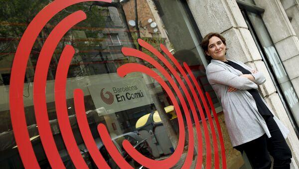 Ada Colau, líder de Barcelona en Comú - Sputnik Mundo