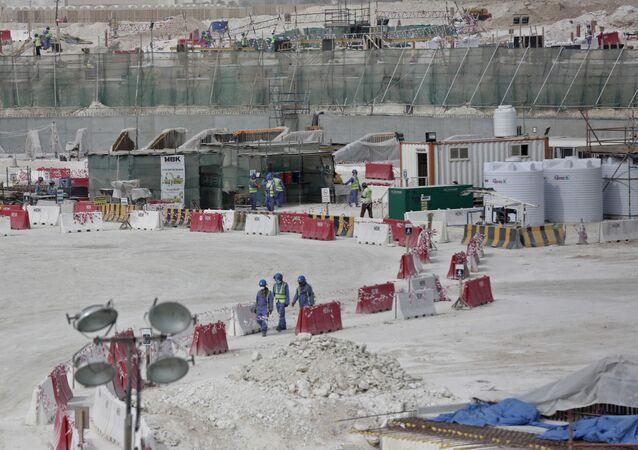 Trabajadores extranjeros a la construcción de los proyectos par la Copa de Fútbol 2022