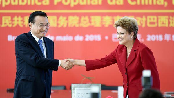 Primer ministro de China, Li Keqiang y presidenta de Brasil, Dilma Rousseff - Sputnik Mundo