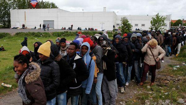 Migrantes en Francia - Sputnik Mundo