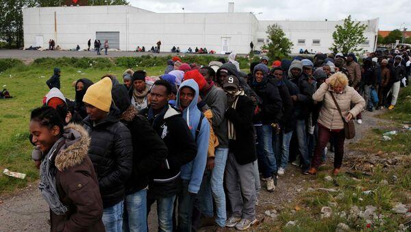 Inmigrantes africanos en Francia (archivo) - Sputnik Mundo