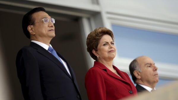 Li Keqiang, primer ministro de China, y Dilma Rousseff, presidenta de Brasil - Sputnik Mundo