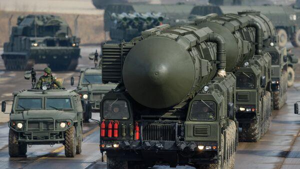 Misil balístico intercontinental Tópol-M - Sputnik Mundo
