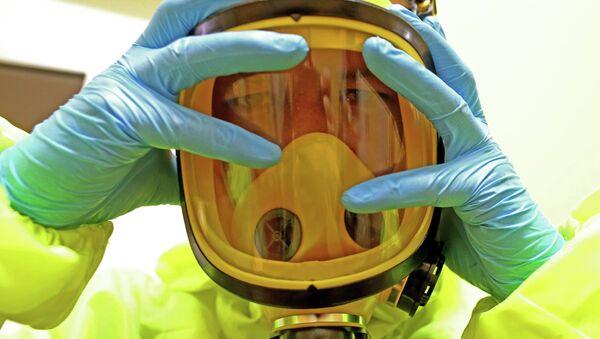Un traje anti-contagios - Sputnik Mundo