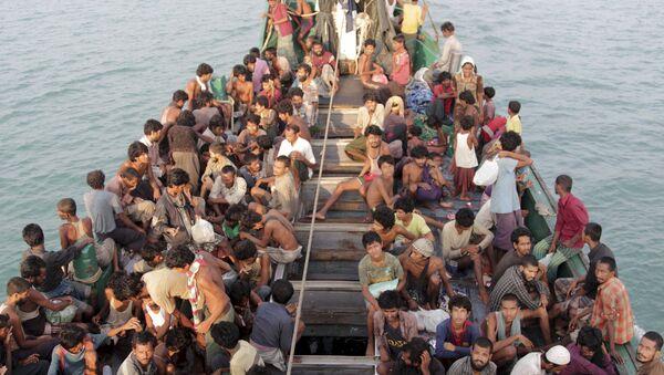 El primer ministro malasio ordena rescatar a migrantes ilegales - Sputnik Mundo