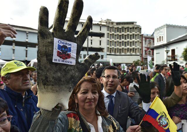 Protestas contra Chevron en Quito