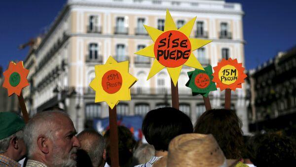 Manifestación de protesta organizada por el movimiento 15M - Sputnik Mundo