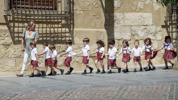 Escolares en España - Sputnik Mundo