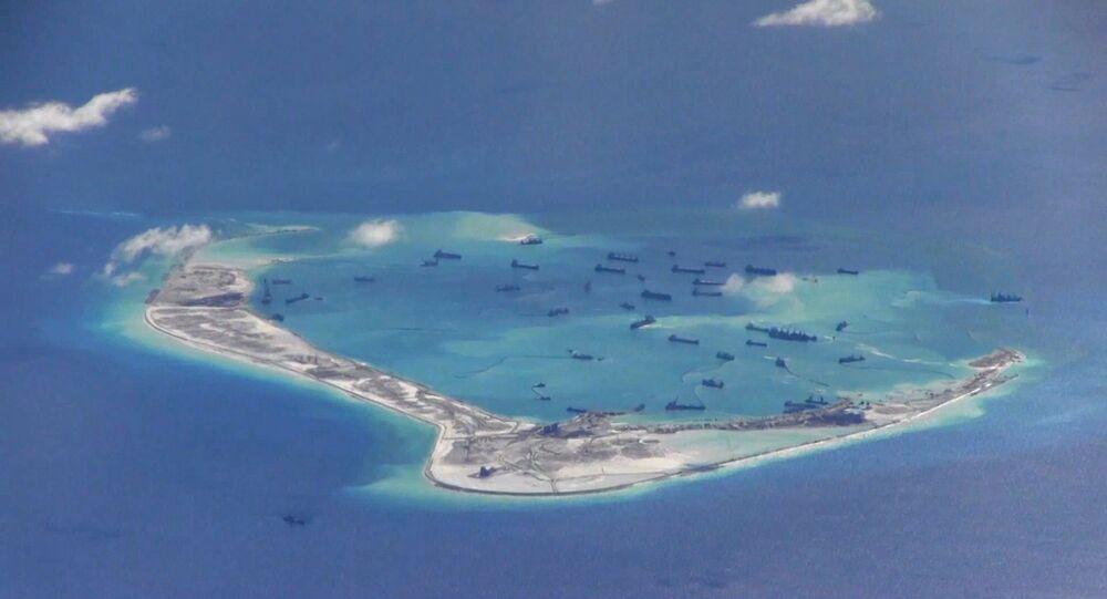 Buques chinos en las aguas disputadas del mar del Sur de China (archivo)