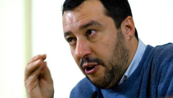 Matteo Salvini, líder del partido italiano de derechas Liga Norte - Sputnik Mundo