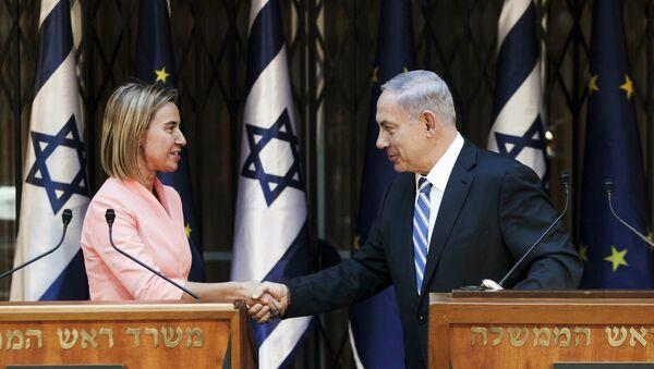 Jefa de la diplomacia de la UE, Federica Mogherini y primer ministro de Israel, Benjamín Netanyahu - Sputnik Mundo