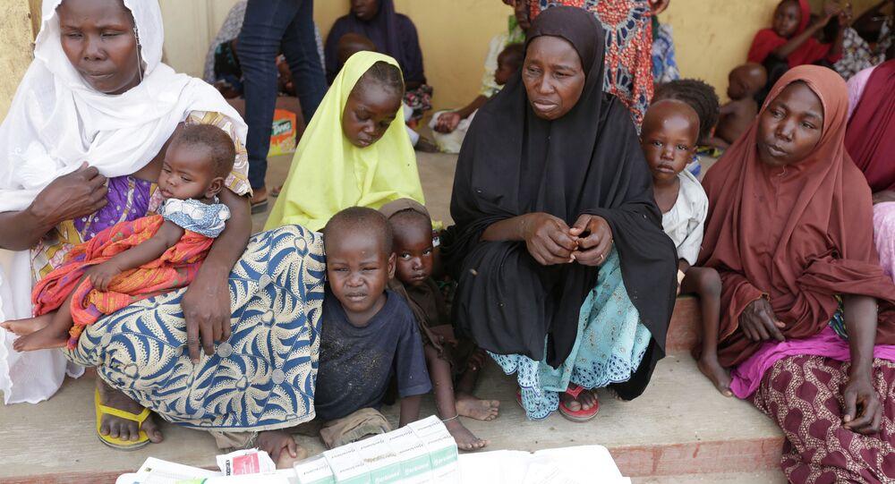 Mujeres y niños nigerianos rescatados (archivo)