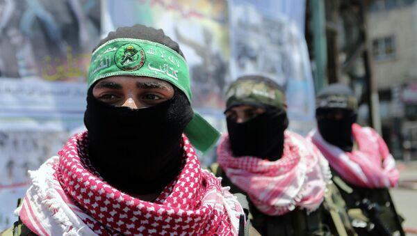 Militantes de las Brigadas de Ezzeldin Al-Qassam, brazo armado de Hamás - Sputnik Mundo