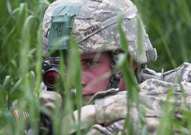 Paracaidista de EEUU, pacificador de OTAN en Kosovo