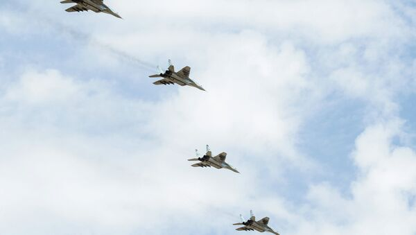 Cazas MiG-29 repelen un ataque 'enemigo' en el sur de Rusia - Sputnik Mundo