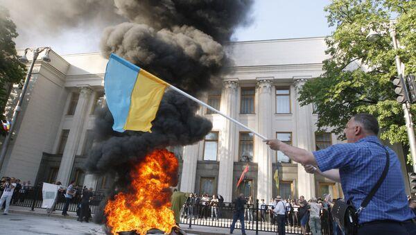 Revolución de colores diseñada para Kiev afecta intereses de Moscú, dice viceministro - Sputnik Mundo