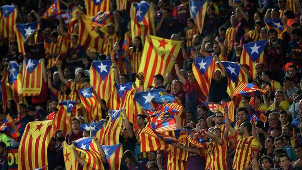 Vascos y catalanes pitan al unísono el himno español en la final de la Copa del Rey - Sputnik Mundo