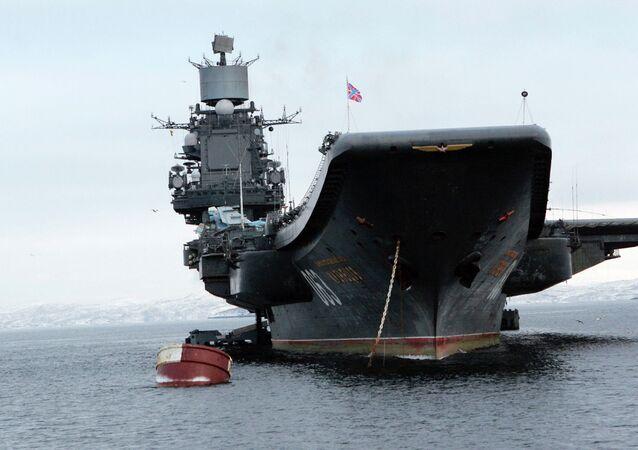 El crucero pesado portaaviones Almirante Kuznetsov