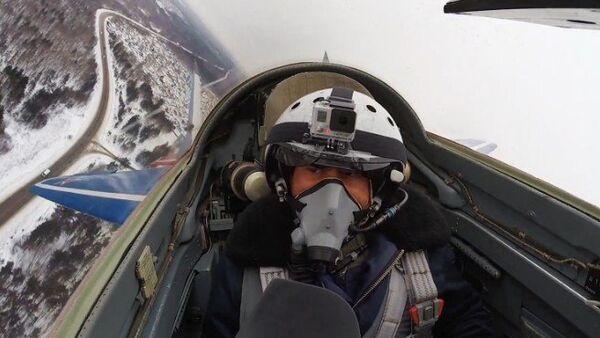 Vuelo del MiG-29 a la estratosfera - Sputnik Mundo