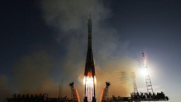 Lanzamiento del cohete Soyuz-FG desde el cosmódromo de Baikonur - Sputnik Mundo