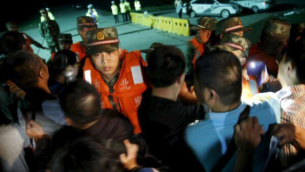 Ascienden a 65 las víctimas del crucero naufragado en China - Sputnik Mundo