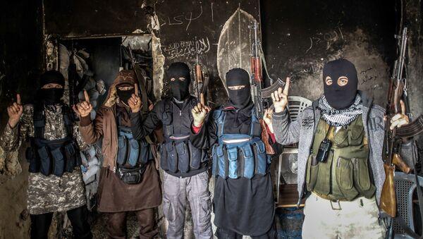 Miembros de Al Qaeda - Sputnik Mundo