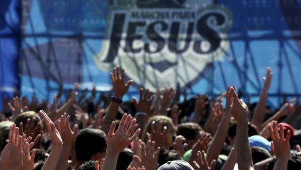 La Marcha por Jesús reúne en Sao Paulo a miles de cristianos ultraconservadores - Sputnik Mundo