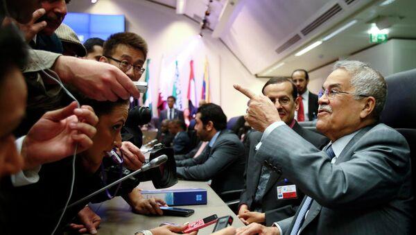 Alí an Nuaymi, representante de Arabia Saudí, antes de una reunión de la OPEP - Sputnik Mundo
