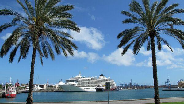 Crucero The World en el puerto de Las Palmas de Gran Canaria - Sputnik Mundo