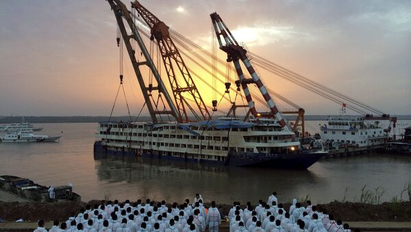 Estrella del Oriente, buque naufragado en el río Yangtsé en China - Sputnik Mundo