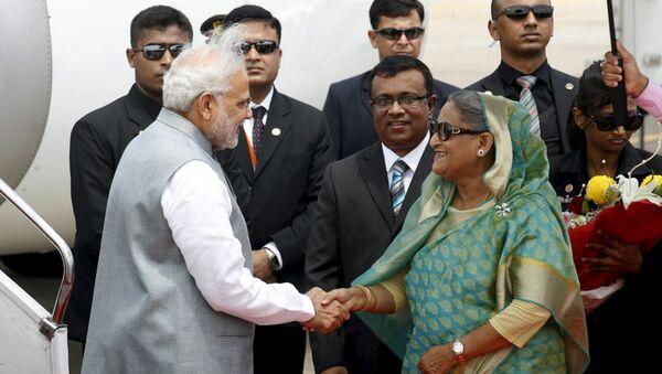 Narendra Mod, primer ministro de India y Sheikh Hasina, primer ministro de Bangladés - Sputnik Mundo