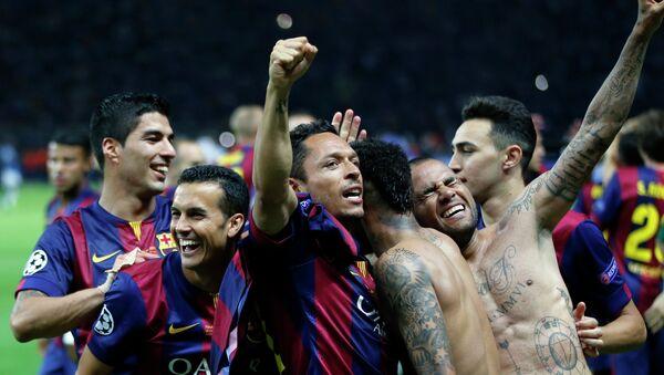 Jugadores de FC Barcelona celebran después de ganar 3-1 el partido de fútbol final de la Champions League contra el Juventus de Turín - Sputnik Mundo