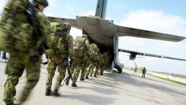Soldados checos participan en los ejercicios conjuntas de la OTAN Noble Jump, el 9 de abril, 2015 - Sputnik Mundo