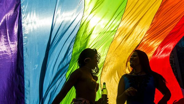 Revellers take part in the 19th Gay Pride parade along Paulista Avenue in Sao Paulo, Brazil, June 7, 2015 - Sputnik Mundo