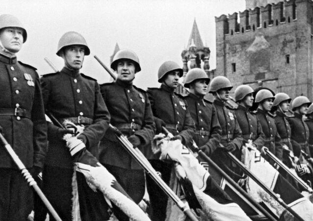 Histórico desfile de la Victoria en la Plaza Roja de Moscú, 1945