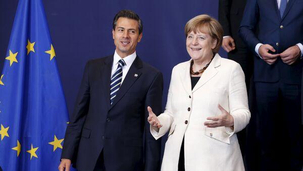 Presidente de México Enrique Peña y canciller de Alemania Angela Merkel - Sputnik Mundo