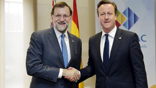 Mariano Rajoy, presidente de España, se ha reunido en Bruselas con David Cameron, primer ministro de Gran Bretaña, el 11 de junio, 2015 - Sputnik Mundo