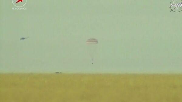 Nave espacial Soyuz TMA-15M aterrizado en Kazajistán - Sputnik Mundo