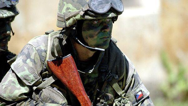 Un soldado checo - Sputnik Mundo