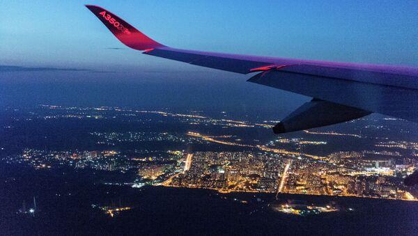 La vista de Moscú fotografiada desde un avión de Airbus - Sputnik Mundo